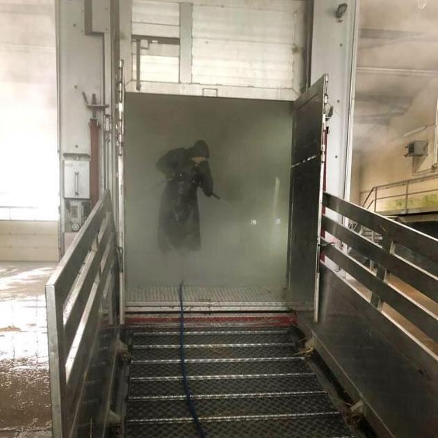 Waschen-LKW-Regenmantel